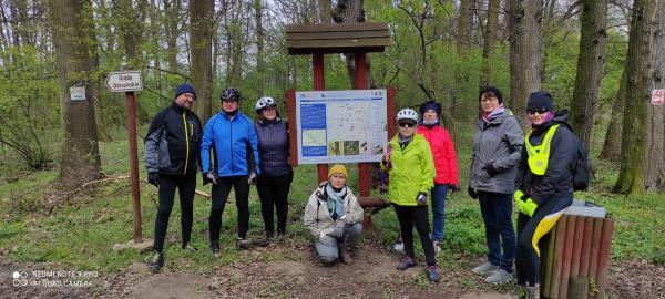 Wandrusie. Relacja z wyprawy rowerowej do gminy Dąbrowa